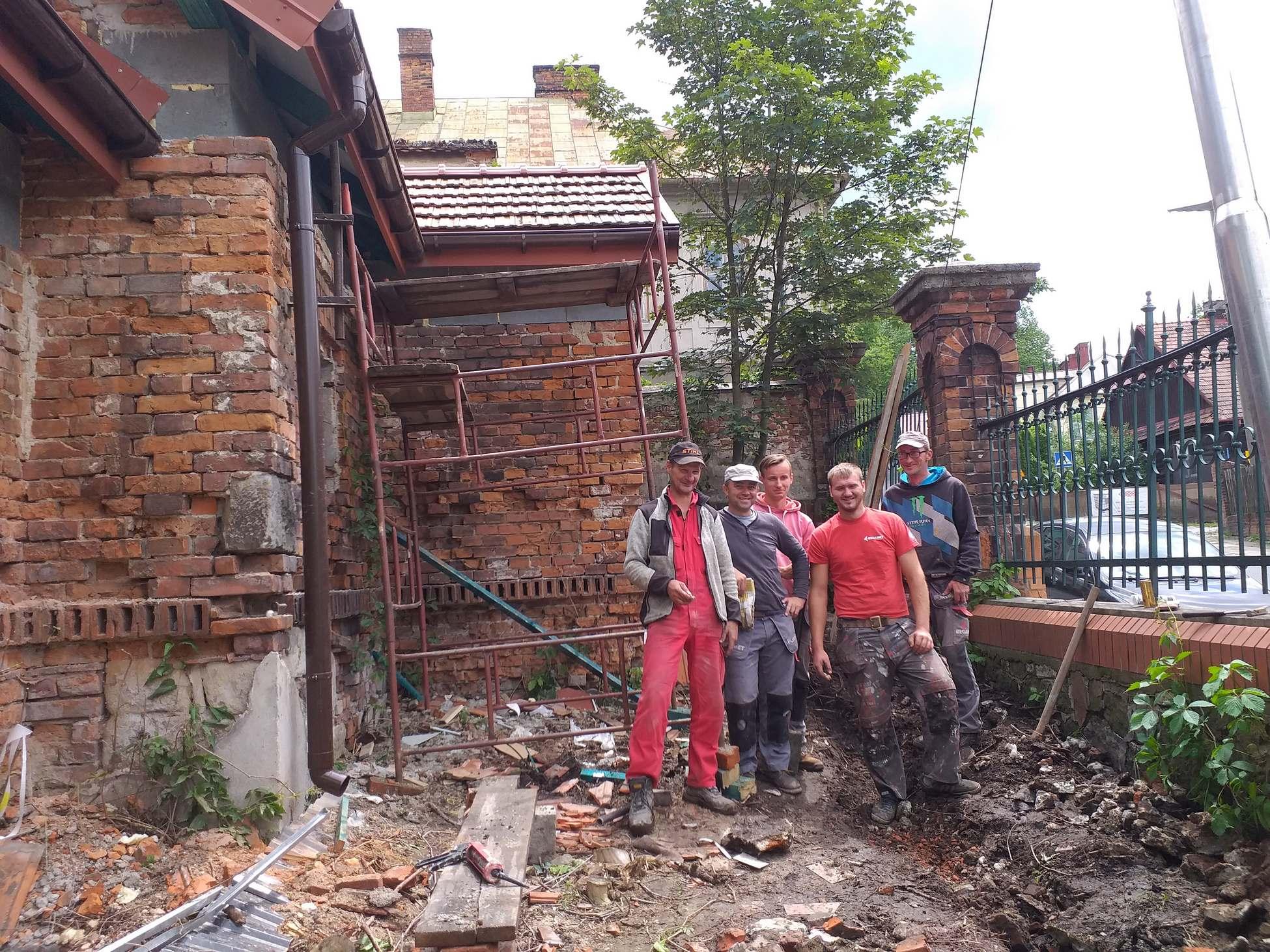 SMBO prace remontowe budynku przy Browarze Okocim